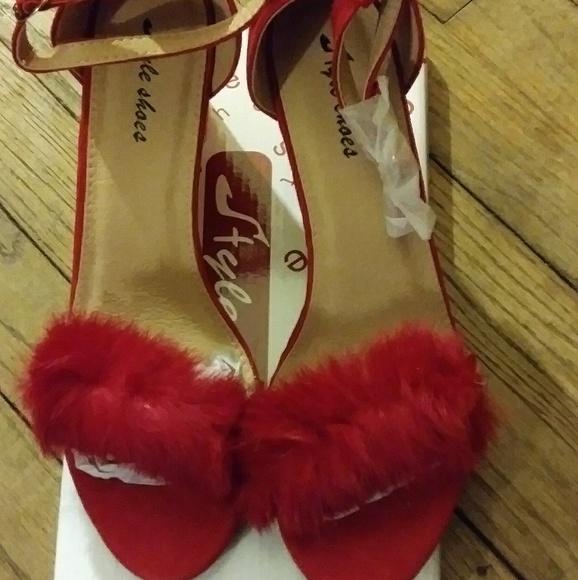 1f669393f80 Red Faux Fur Fluffy Low heel Sandals